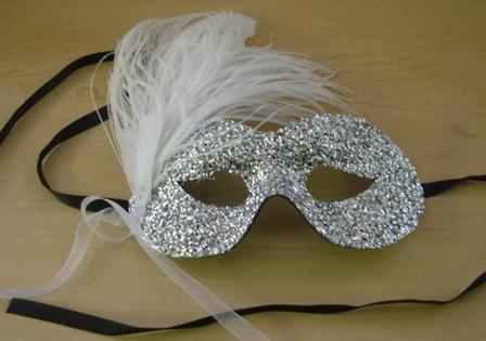 Feather masquerade mask