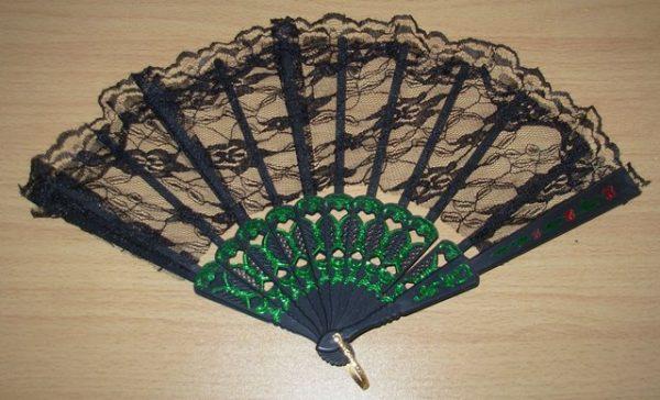 Back lace fan