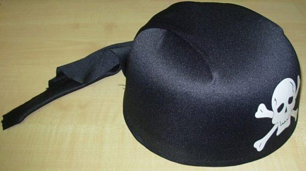 Black bandanna style pirate hat