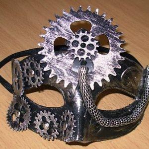 Steampunk eye mask with cogwheel design