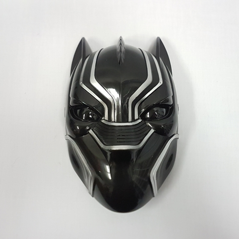 Black panther mask light up