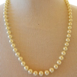 STring of pearl beads