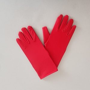 Short red gloves