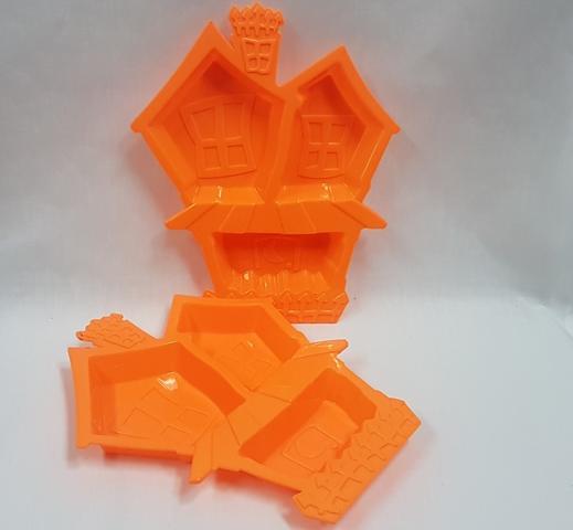 Haunted house treat tray orange