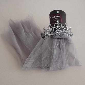 Grey tiara veil