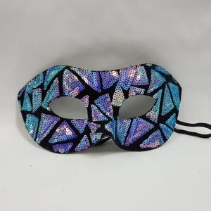 Mask with sequin triangle design